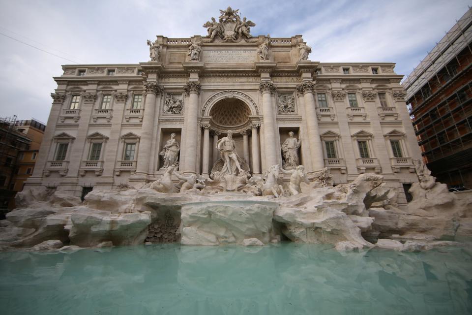 Reparación Fontana de Trevi con Kimia