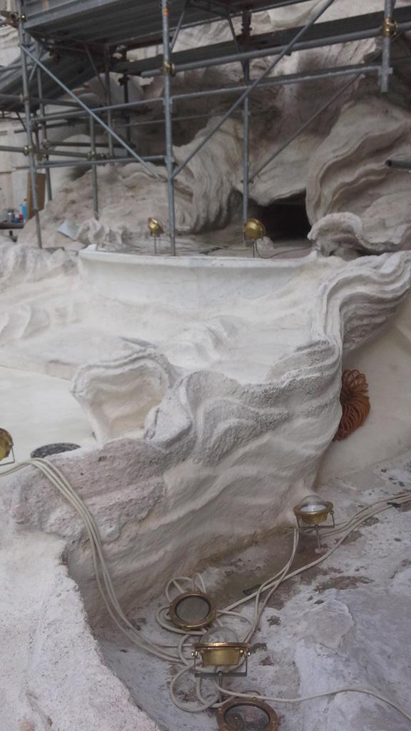 Reparación del mármol de la Fontana con Kimia